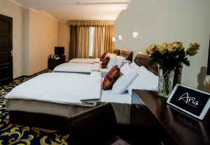 aria-hotel-chisinau-deluxe-triple-single-bed