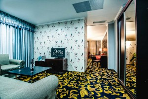 aria-hotel-chisinau-lux-king-bed-1