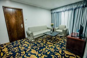aria-hotel-chisinau-lux-king-bed-5